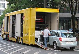 Enclosed Carrier Vehicle Transport